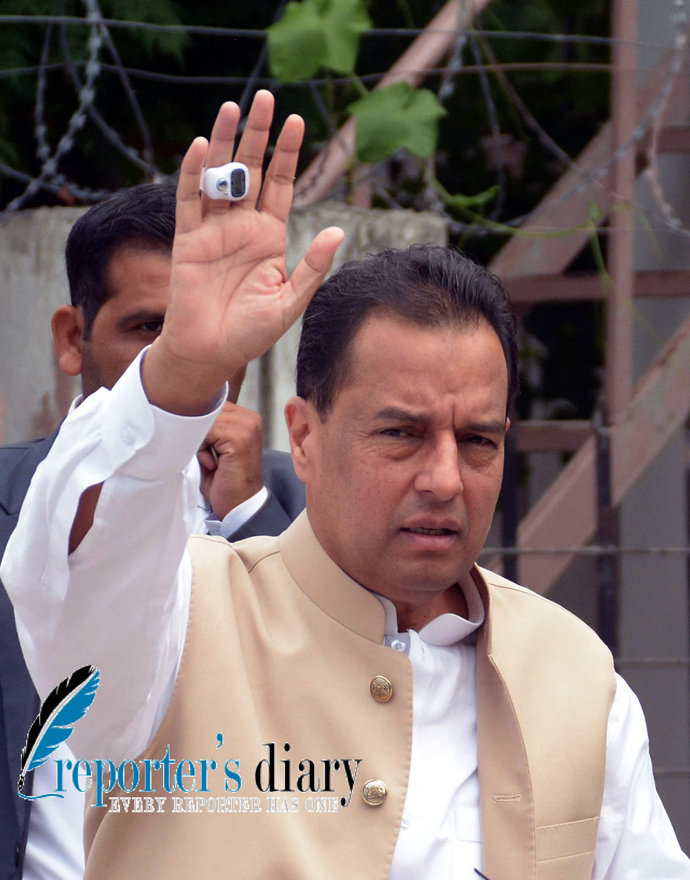 Cap ® Safdar appears before the Panama JIT in Islamabad on June 24, 2017. Photo by Mian Khursheed