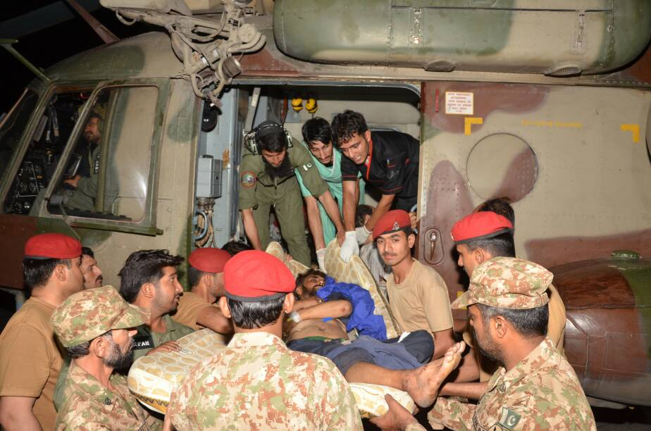 Army helicopters rescued critical injured from Parachinar to  Peshawar .