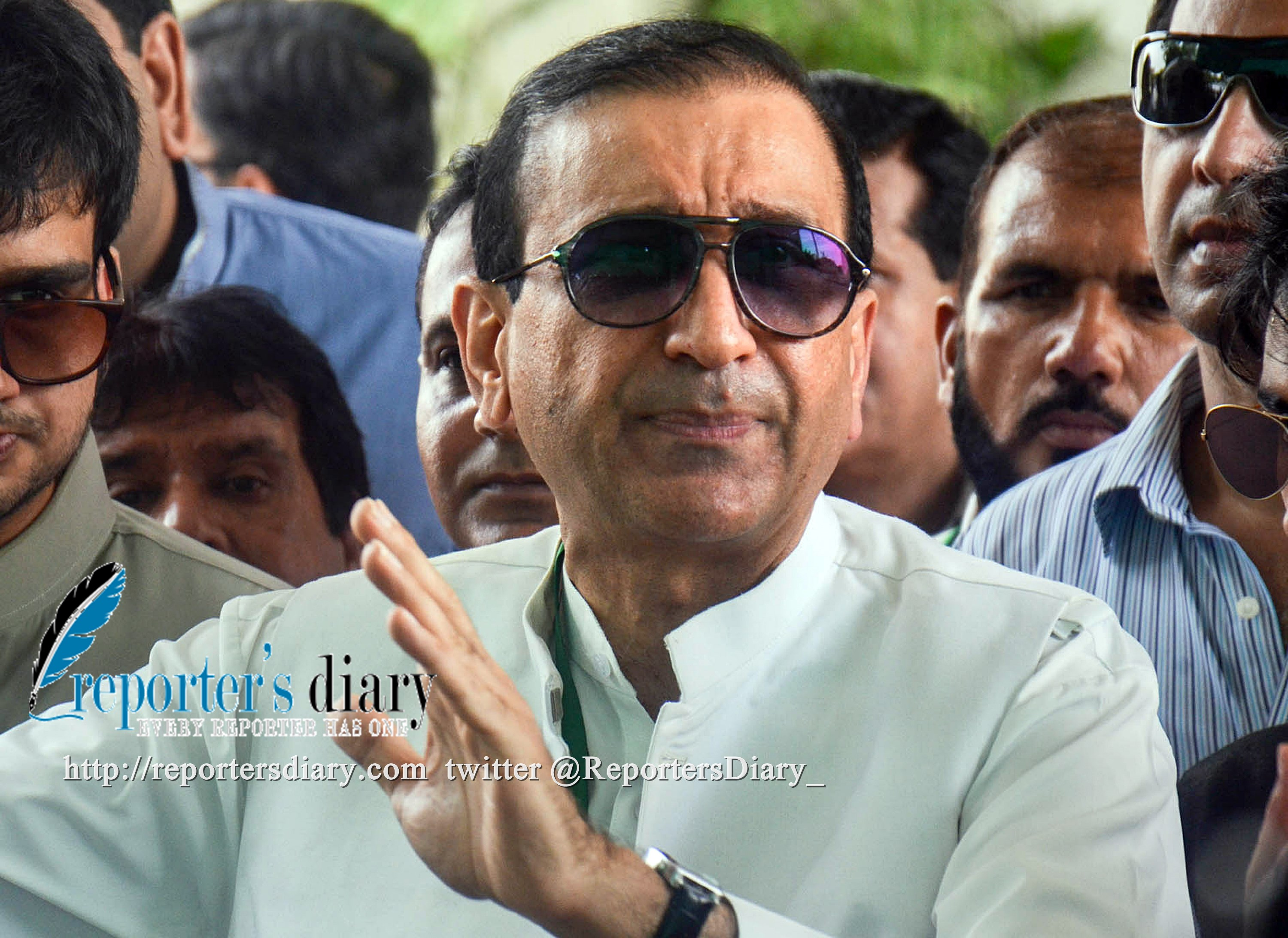 Mir Shakeel-ur-Rehman, Editor-in-Chief Jang Group speaks to the media outside the court after appearing before the Supreme Court of Pakistan